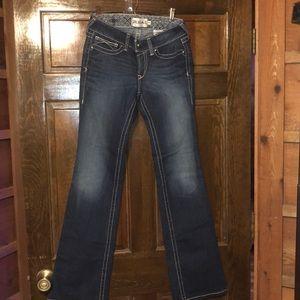 Ariat jeans size 28L